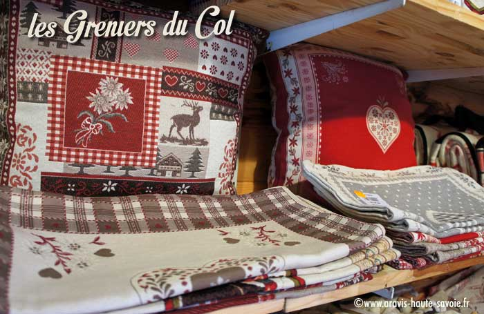 les greniers du col boutique souvenirs des aravis la clusaz. Black Bedroom Furniture Sets. Home Design Ideas