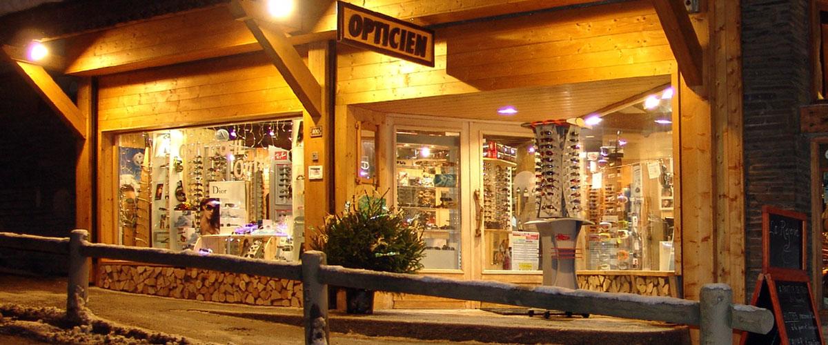 8178b3070e6009 Votre Opticien à La Clusaz situé dans le Haut du Village Grand choix de  lunettes de