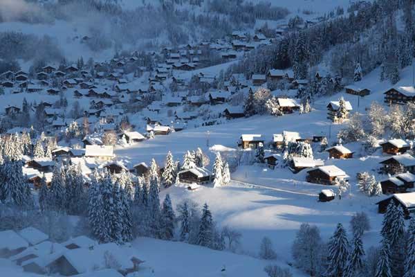 """Résultat de recherche d'images pour """"la clusaz  montagne sous la neige"""""""