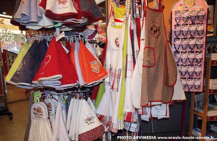 magasin de souvenirs et de cadeaux Domino La Clusaz 9cb4259a9257